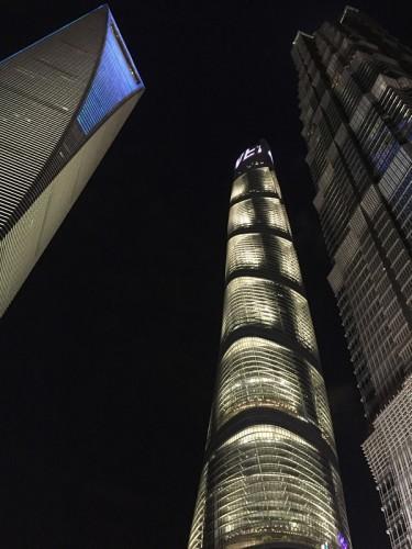 上海の超高層ビル三つ