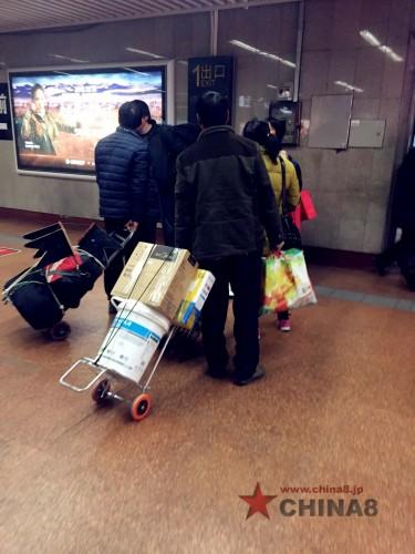 ペンキバケツや尿素の袋はすべて荷物の箱になる