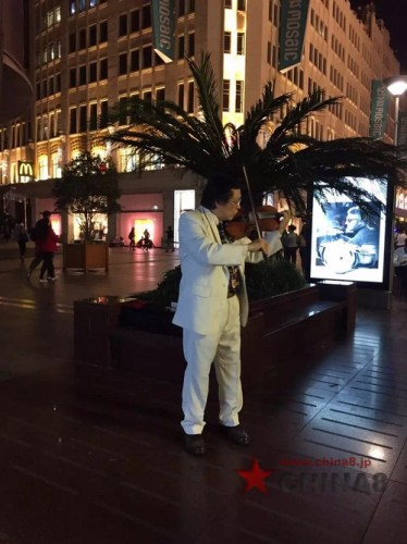 バイオリンの人in南京路