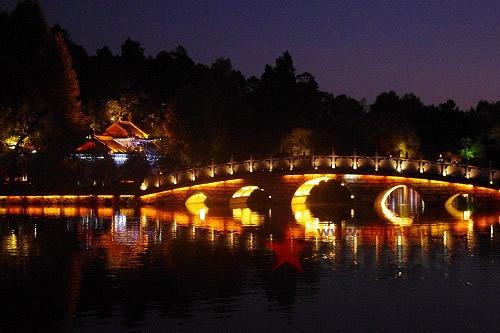 橋もライトアップ