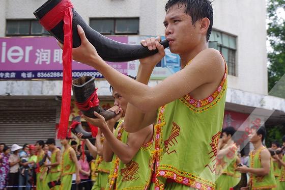 民族楽器のラッパ